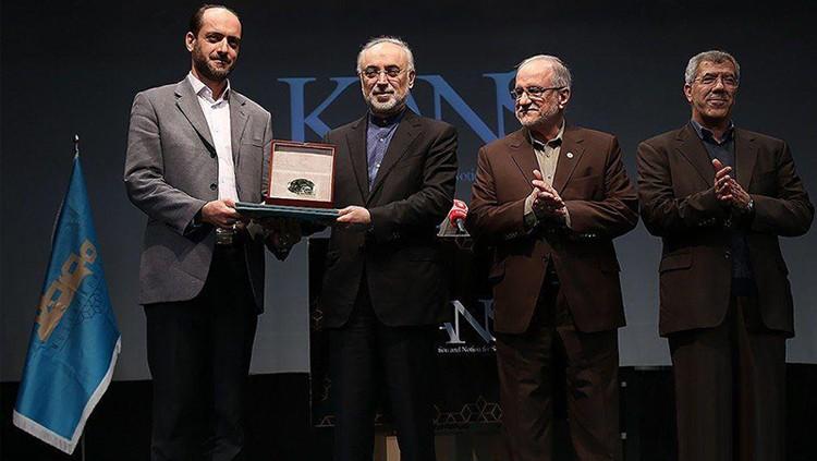 اعطای نشان طلایی و رتبه اول حوزه سلامت در نخستین رویداد رقابت علمی کنز به شرکت پداسیس
